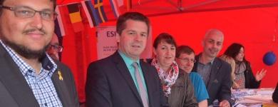 Ein Teil der Standbesetzung mit dem Europaabgeordneten Sven Schulze (2.v.l.) mittendrin (Photo Holger Wegener)