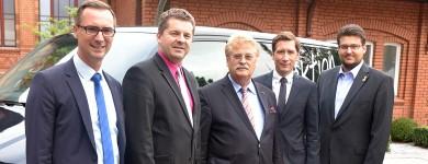 Gruppenbild mit Elmar Brok MdEP (m.)