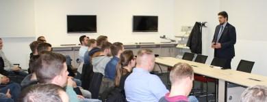 Gespräch mit Bundeswehrangehörigen im Landtag