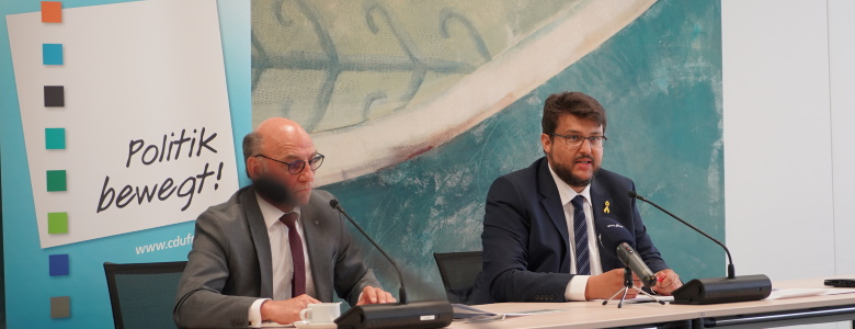 Pressekonferenz der CDU-Landtagsfraktion mit dem Fraktionsvorsitzenden Siegfried Borgwardt und Tobias Krull (v.l.n.r.)