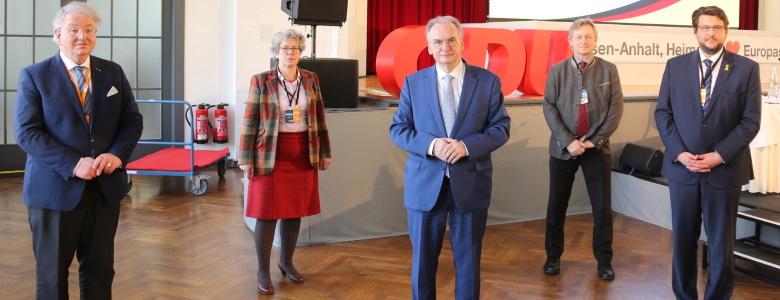 Die Magdeburger Landtagskandidaten mit Dr. Reiner Haseloff MdL (m.)