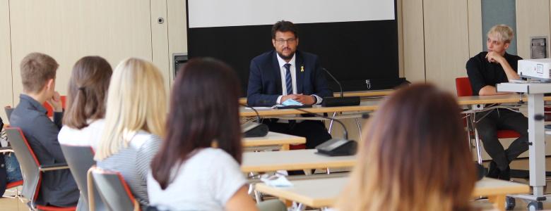 Im Gespräch mit Studenten der FH Harz